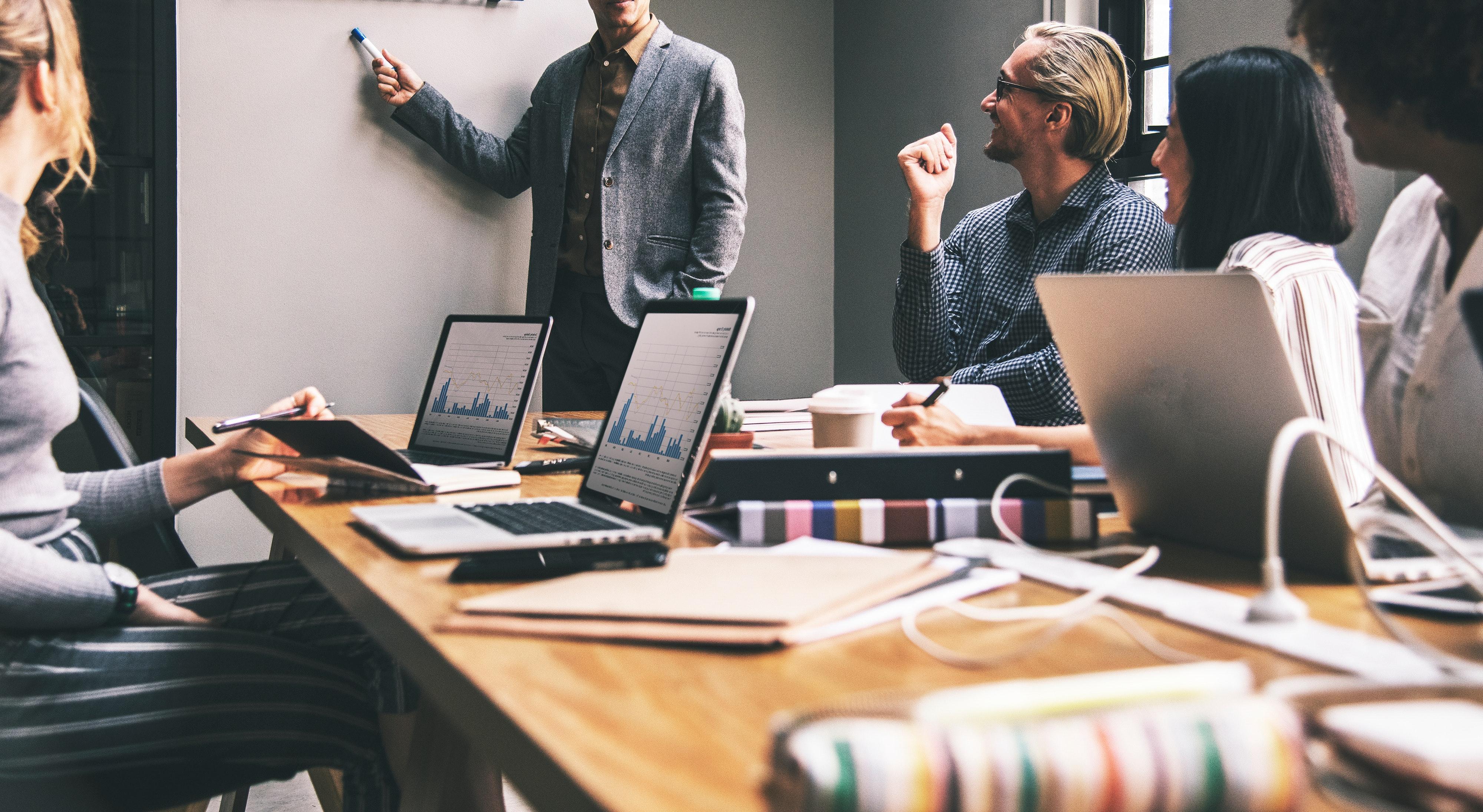 Zo creëer je een positieve werksfeer in je bedrijf